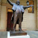 ambidiosidad-pavadotti-monumento