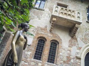 ambidiosidad_Julieta-balcon